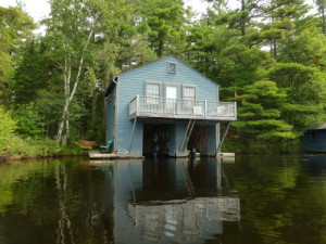The Tiny Boathouse